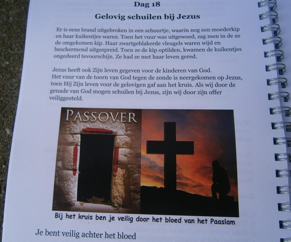Je bent veilig achter het bloed van het Paaslam, dat is: Jezus Christus
